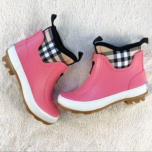 Burberry Girls Check Pink Rubber Rain Boots
